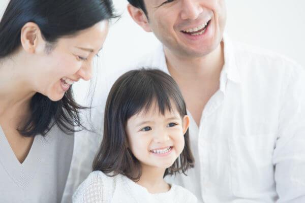 喜ぶ家族イメージ