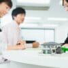 不動産売却で代理人の売買契約は可能? 代理人に委任する方法と注意点
